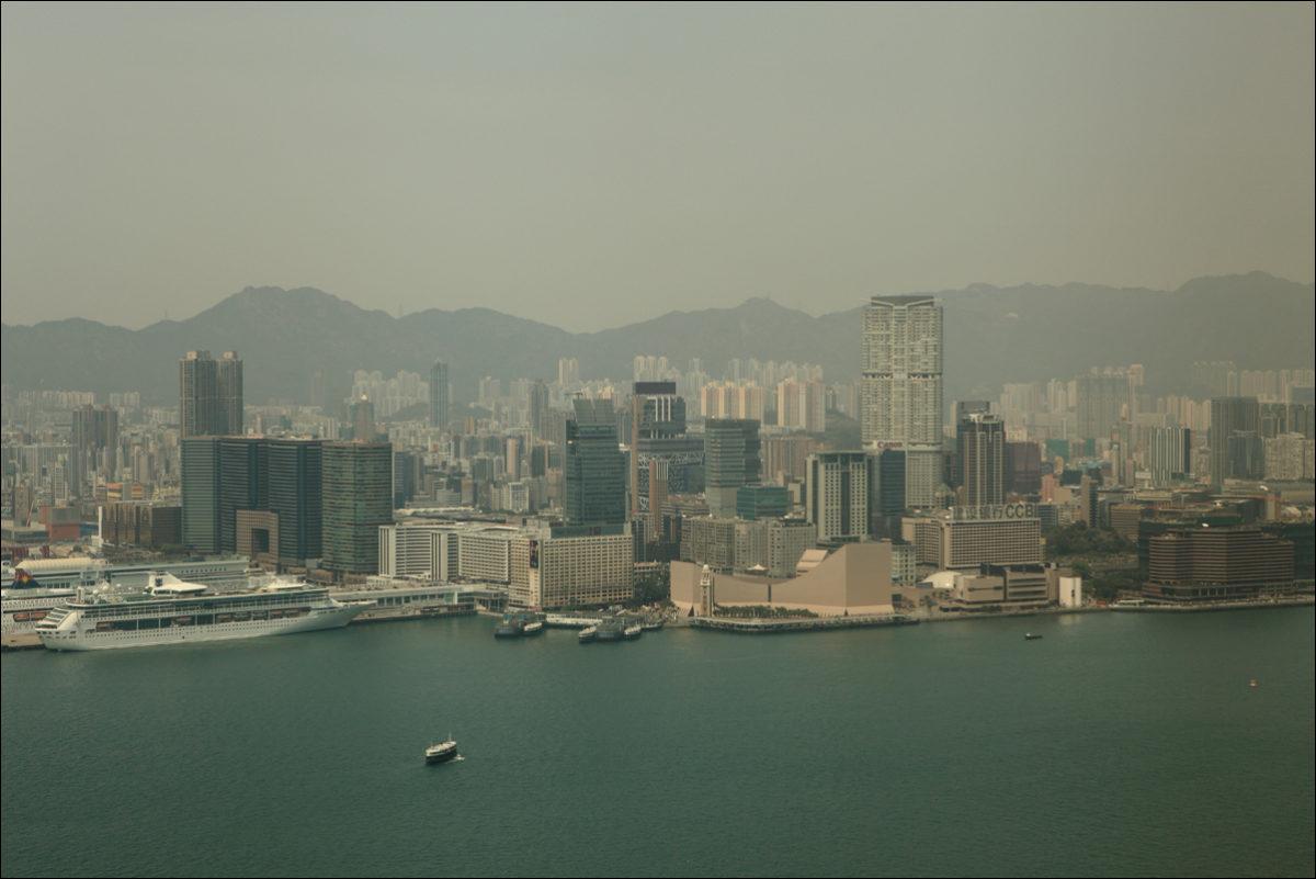 вид на Коулун с небоскреба Гонконг
