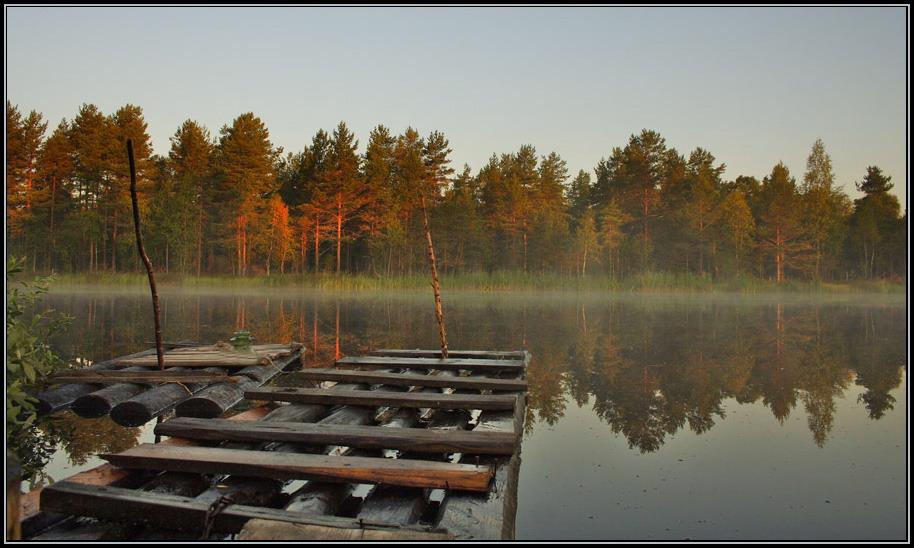 плоты на озере утро