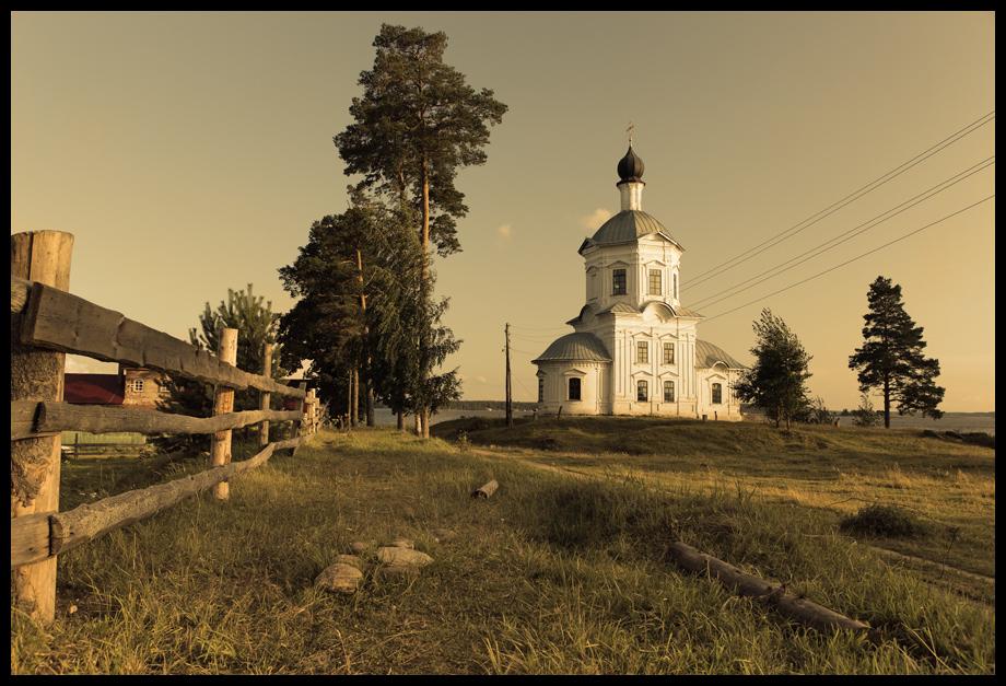 Крестовоздвиженская церковь Селигер