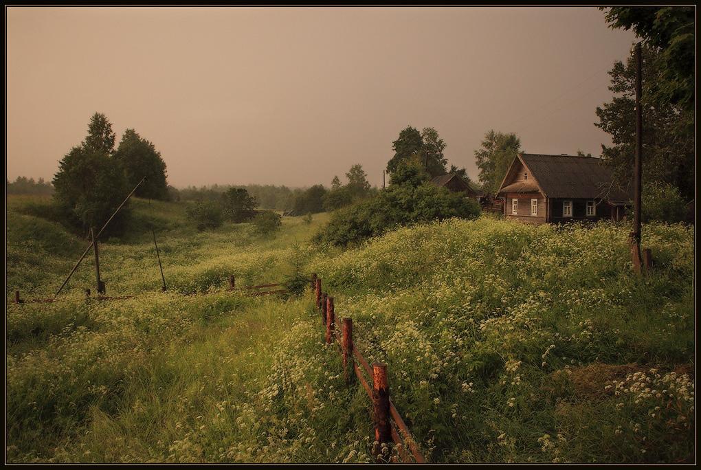 Деревня перед дождём