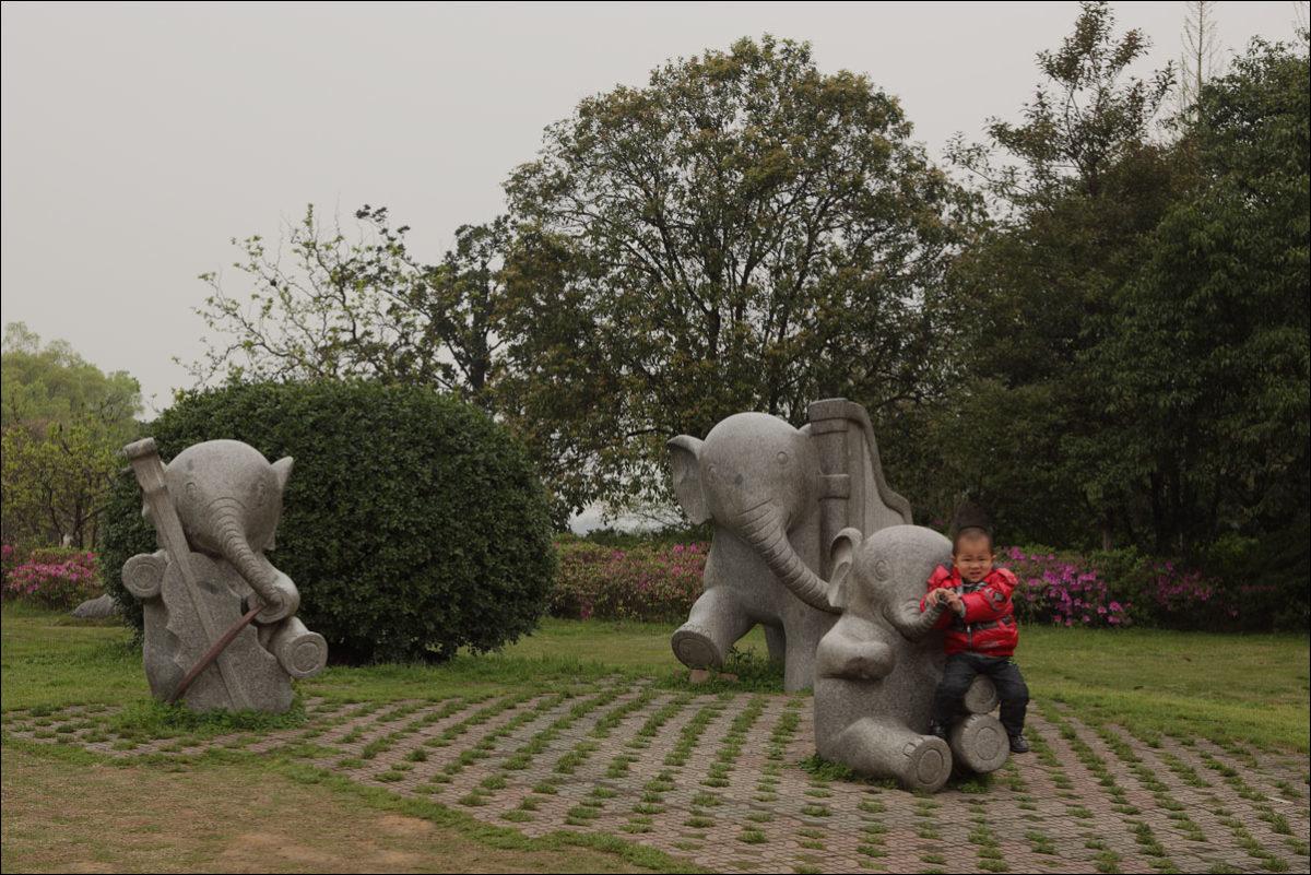 Гуйлинь слоники Китай