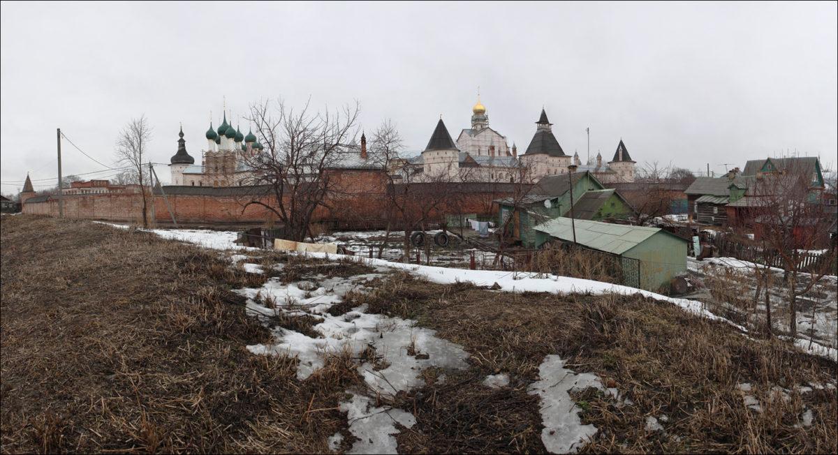 Ростов Великий кремль весна