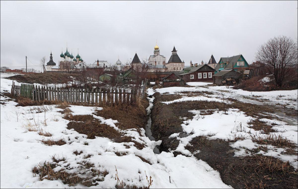 Ростовский кремль весна