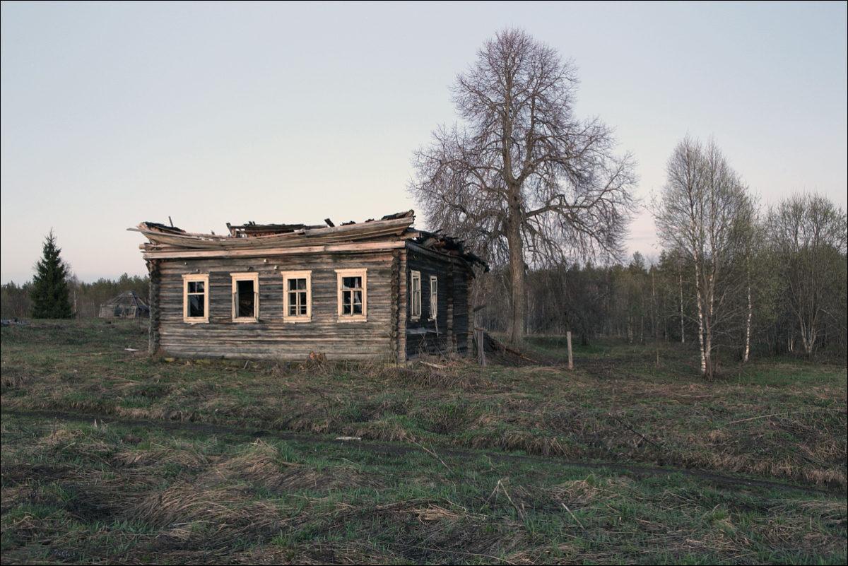 разрушенный дом заброшенная деревня