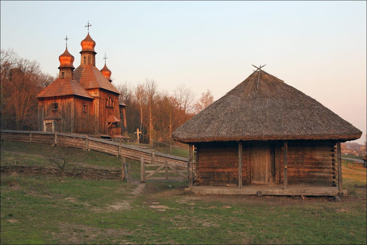 Киев деревянное зодчество Пирогово
