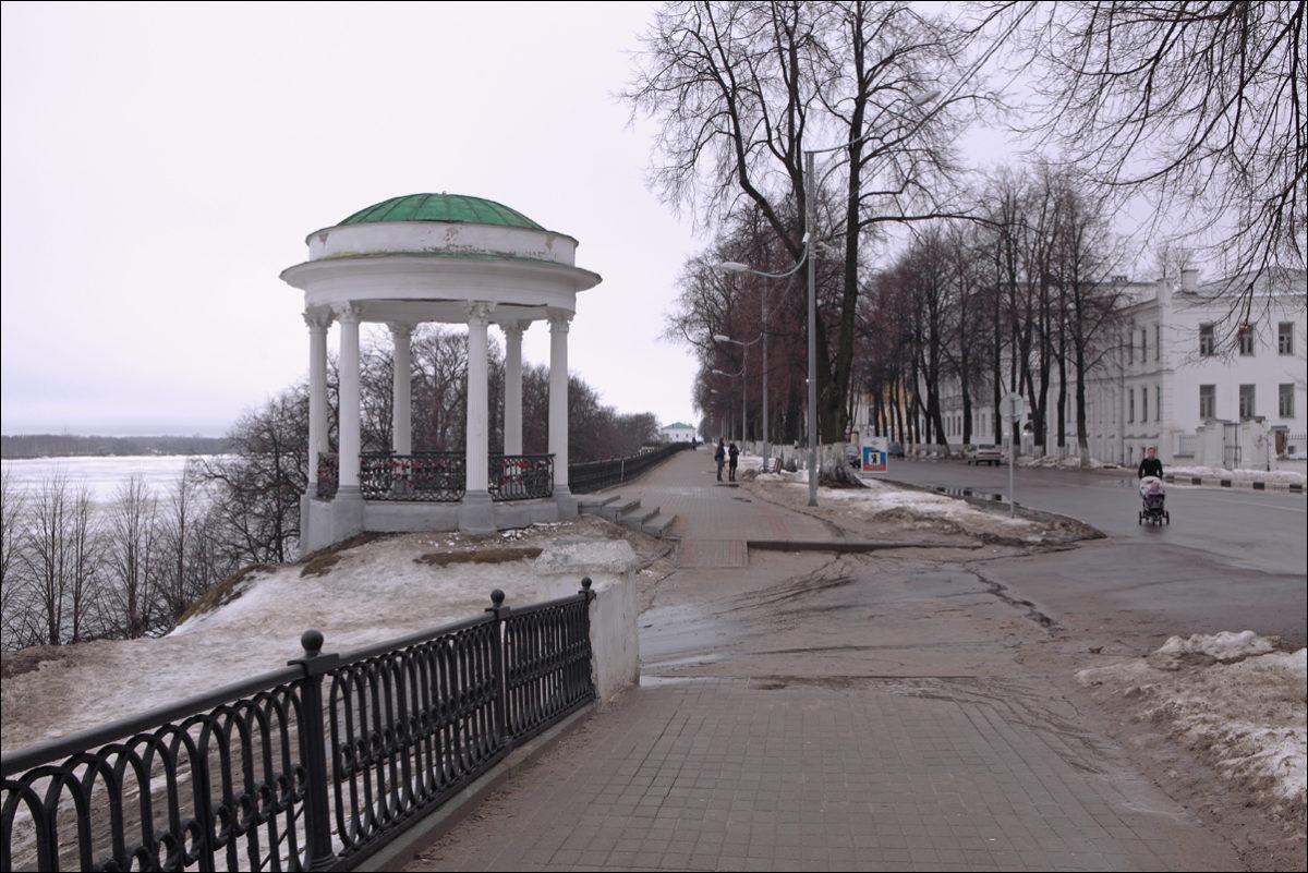 Ярославль набережная Волги весной