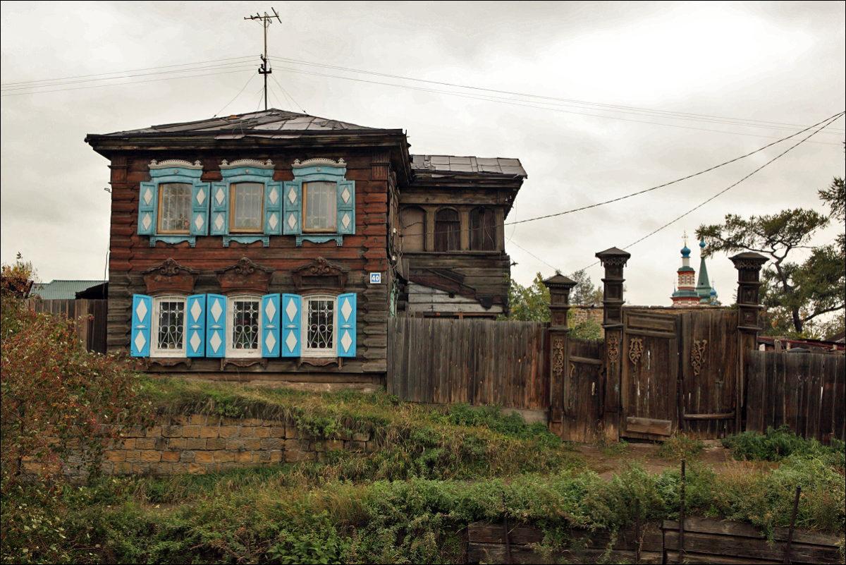 Улица Грязнова Иркутск деревянные ворота