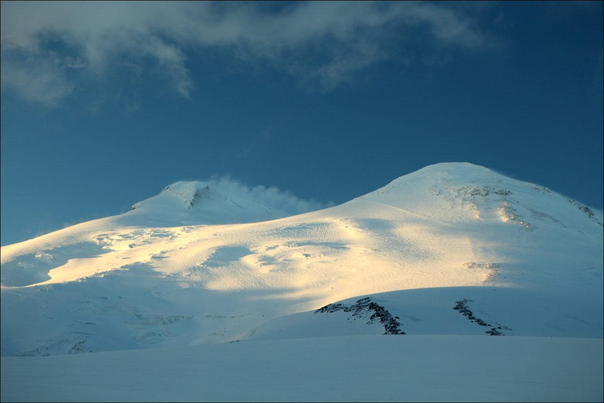 Эльбрус западная и восточная вершины