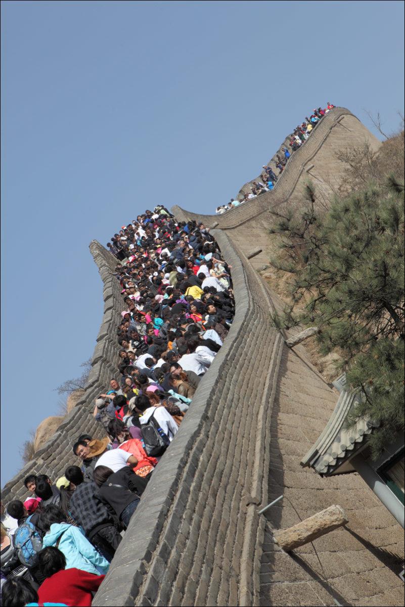 Великая китайская стена толпы туристов