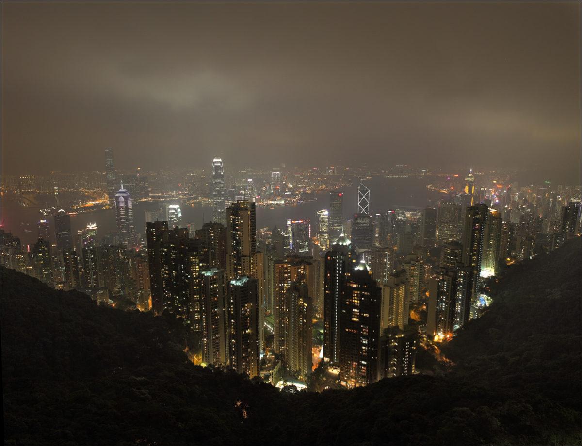 Пик Виктория вид на Гонконг вечер