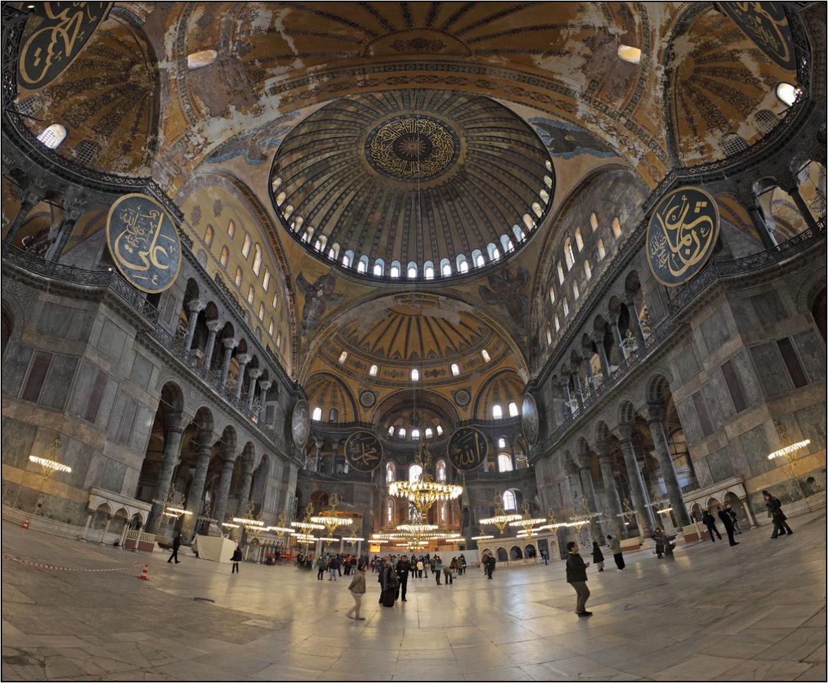 Айя София внутри Стамбул купол