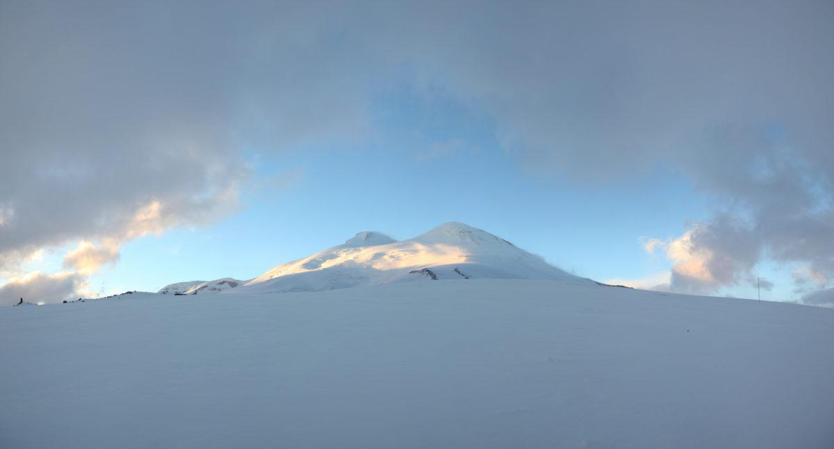 Эльбрус осень утро скалы Пастухова
