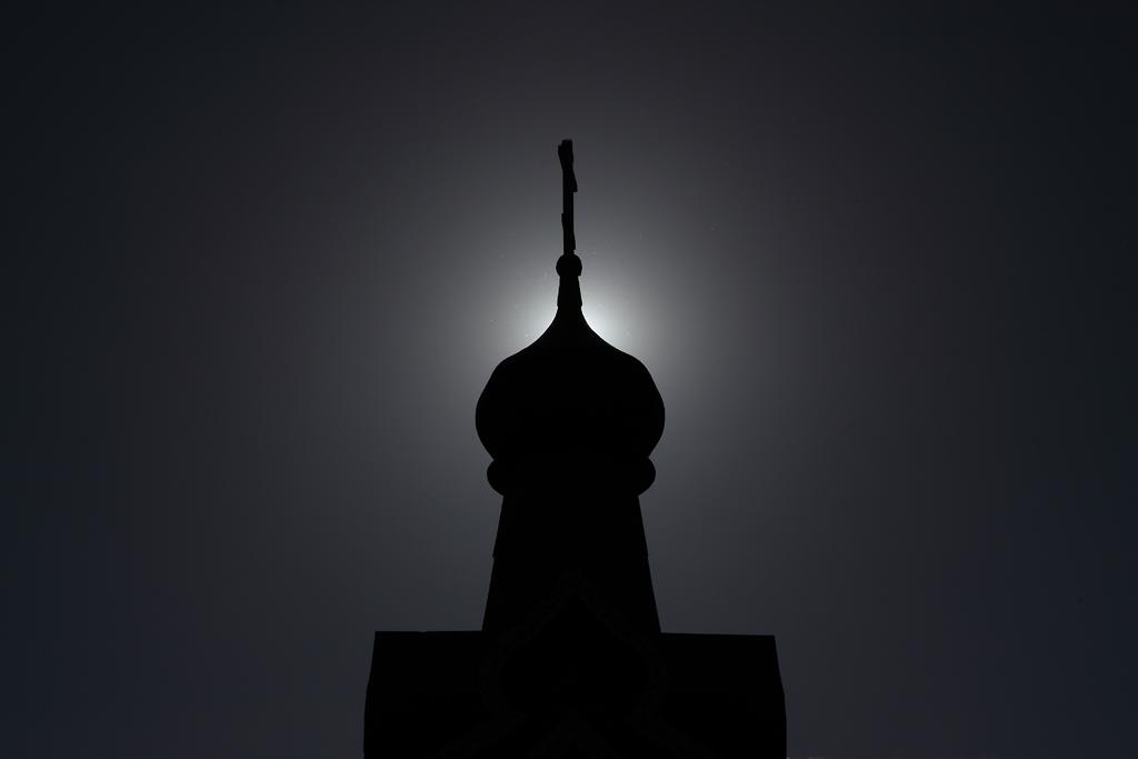 купол церкви солнце силуэт