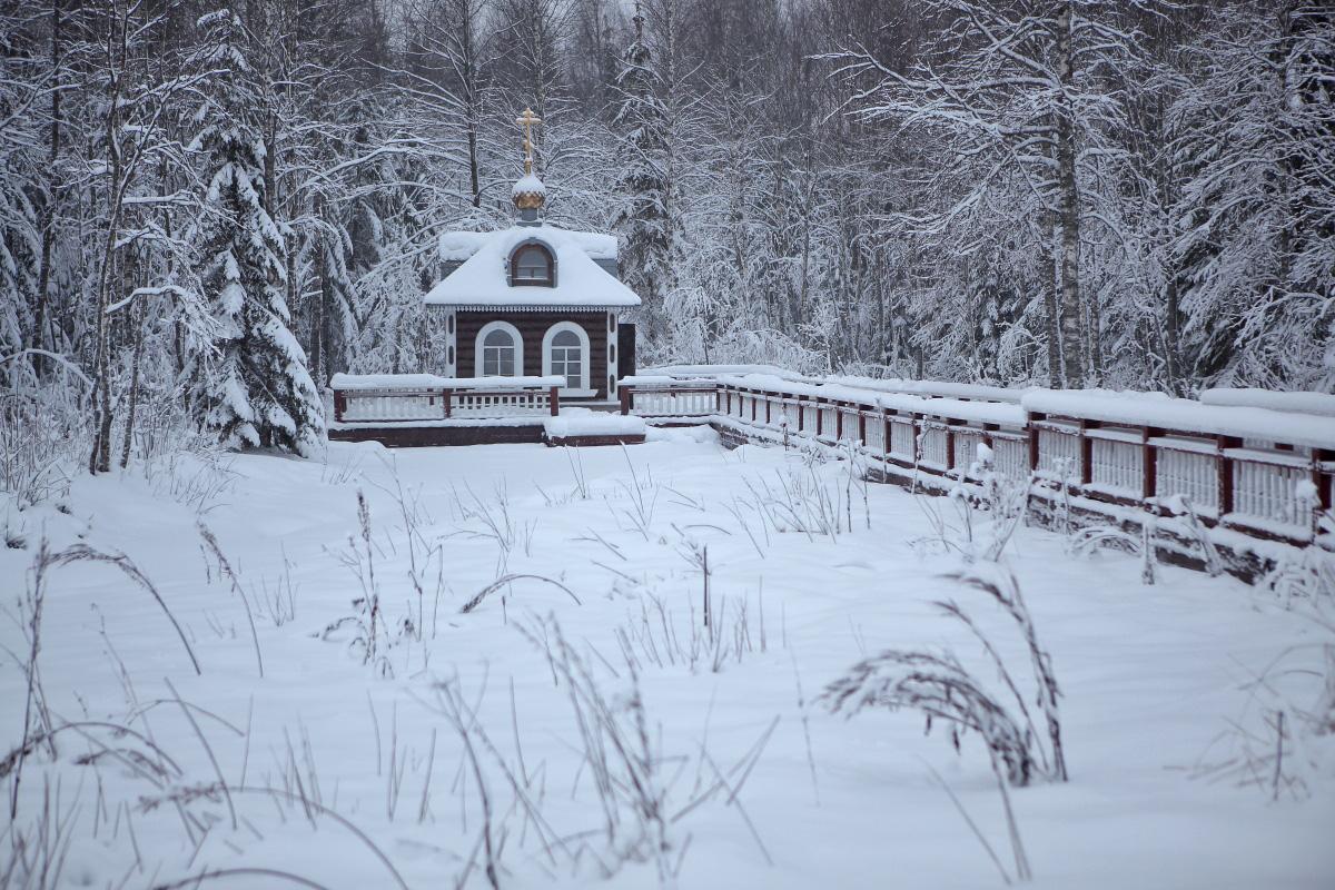 Часовня над истоком Волги зимой