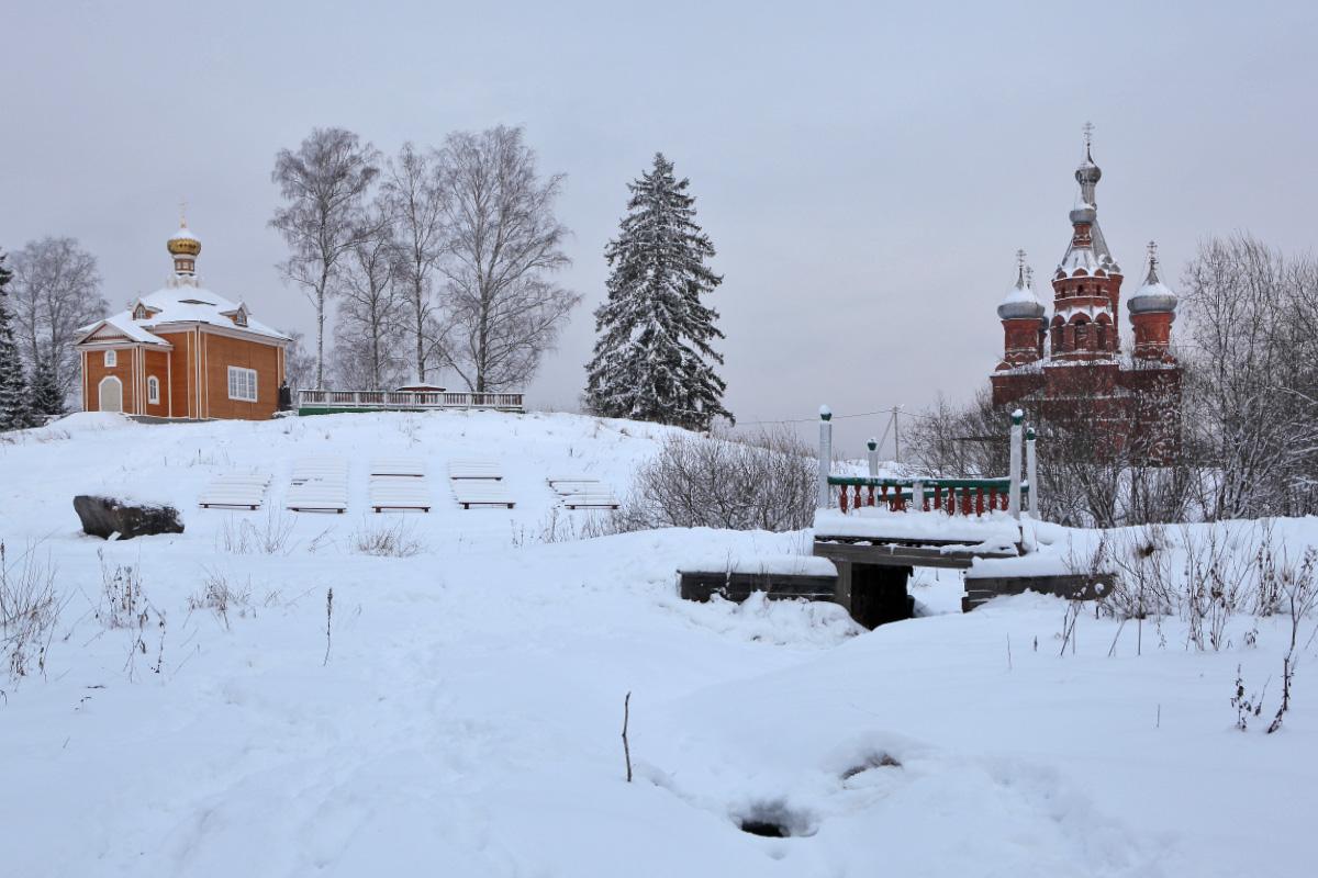 Первый мост через Волгу зимой