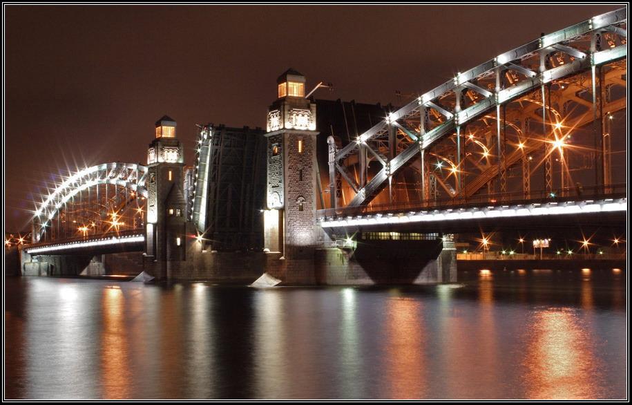 Мост Петра Великого ночь Нева