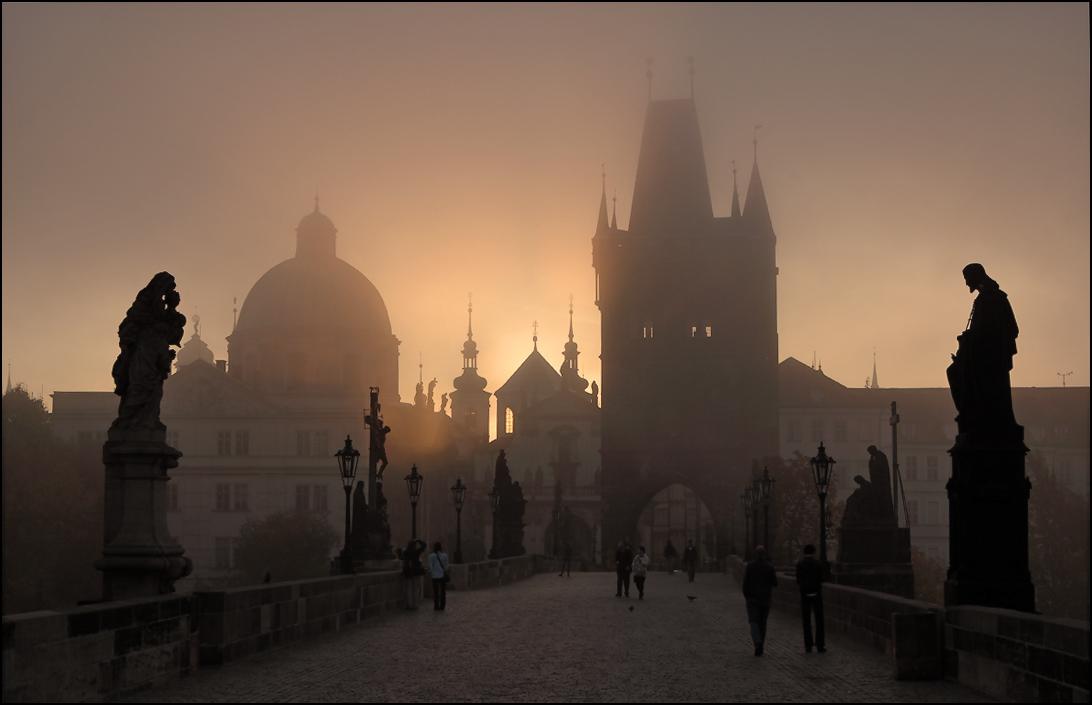 Карлов мост раннее утро рассвет