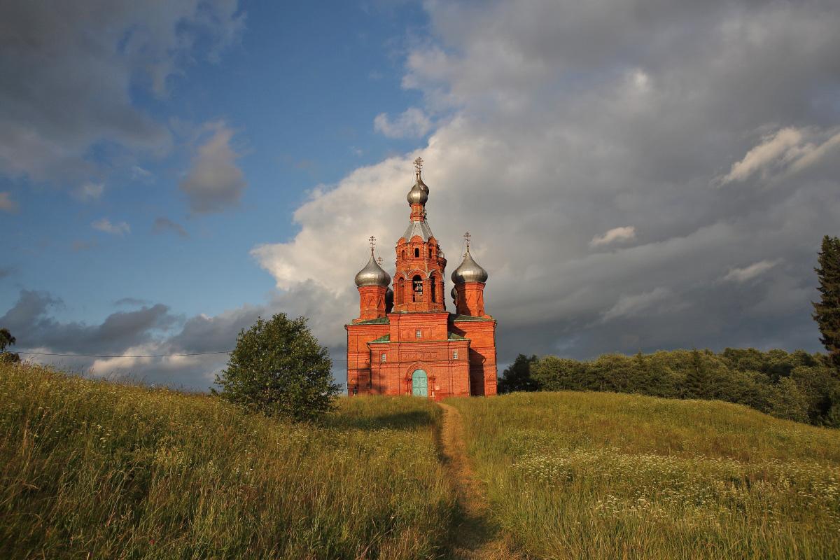 Церковь на истоке Волги