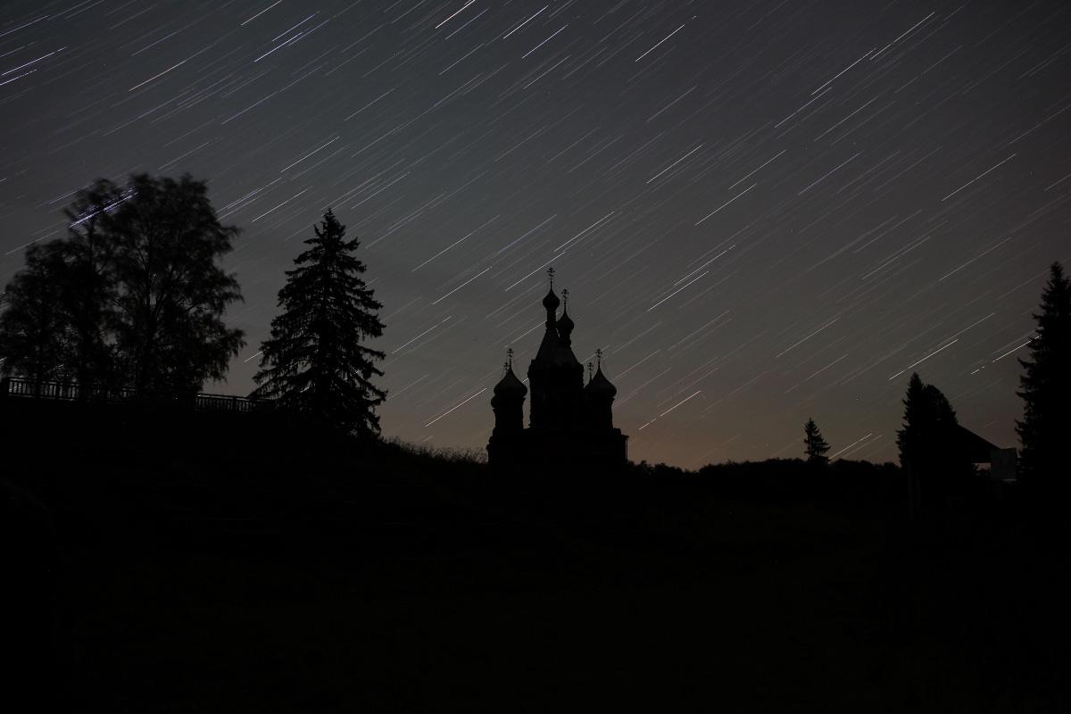Ольгин монастырь летней ночью