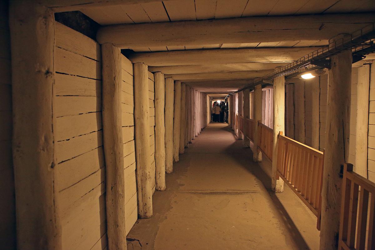коридор соляной шахты
